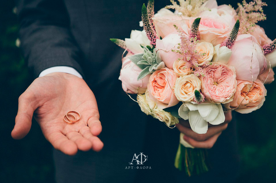 oformlenie-svadbi-bliki-rozovyx-ognej-11
