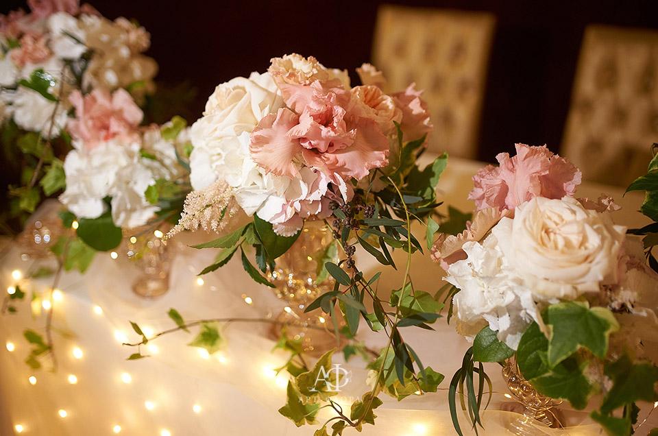 oformlenie-svadbi-bliki-rozovyx-ognej-6