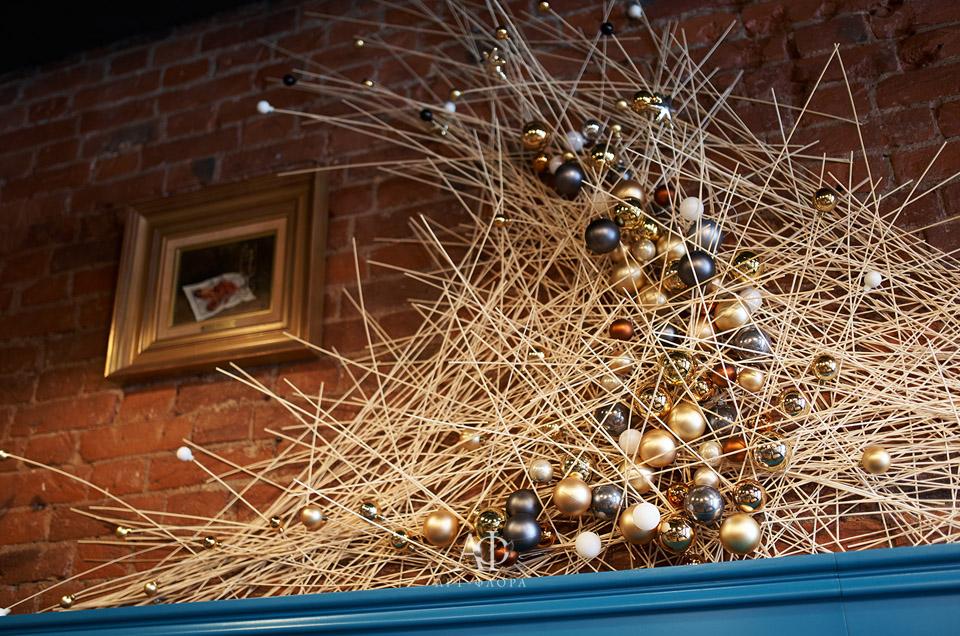 novogodnee-oformlenie-griby-i-spagetti-21