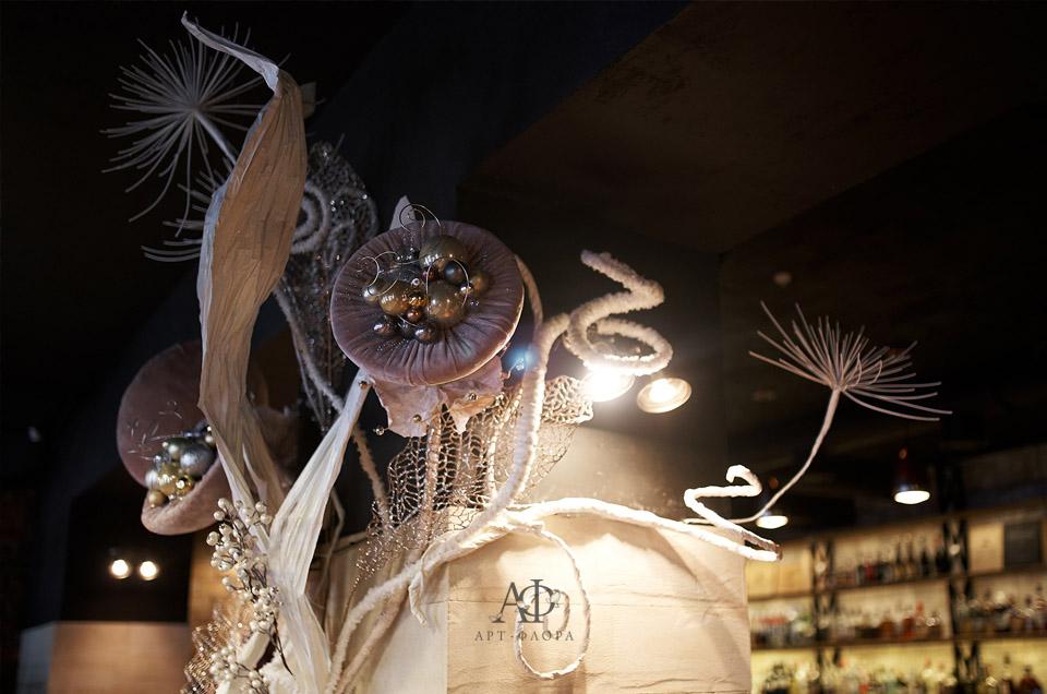 novogodnee-oformlenie-griby-i-spagetti-3