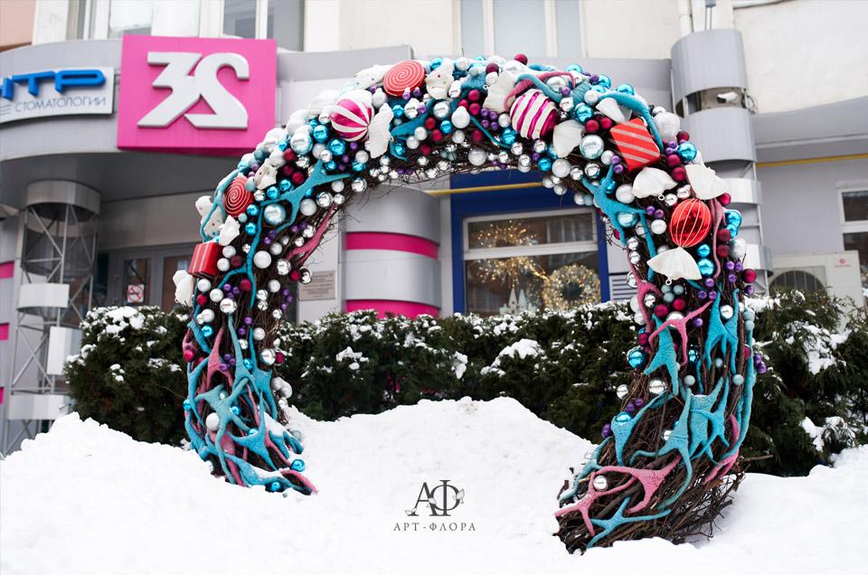 zimnee-oformlenie-stomatologicheskogo-centra-32-1