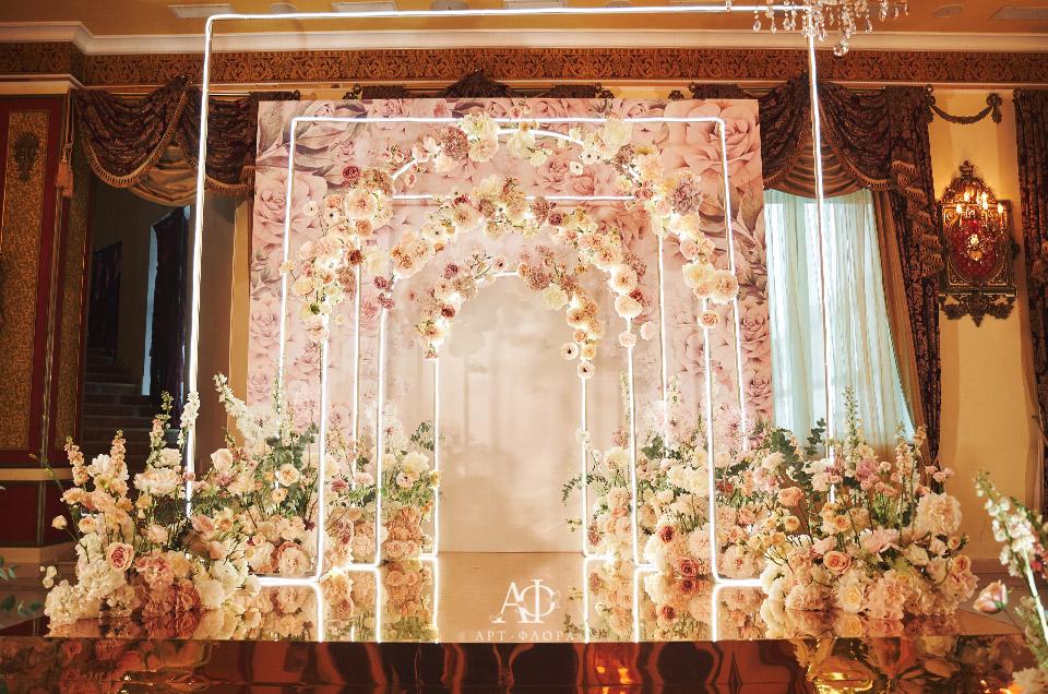 oformlenie-svadby-neonovyj-shik 9